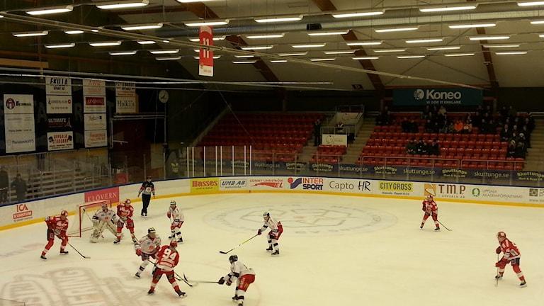 Almtuna slog Västervik och tog första hemmasegern.