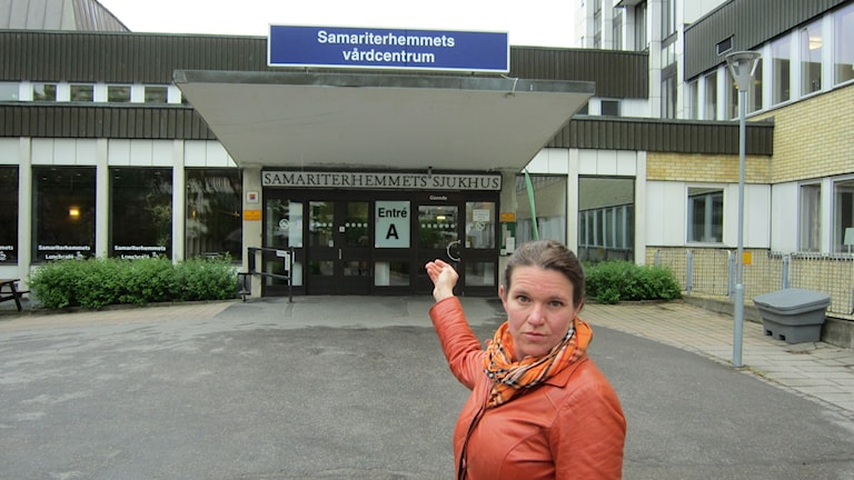 Liberalernas oppositionsråd Lina Nordquist vid Samariterhemmet
