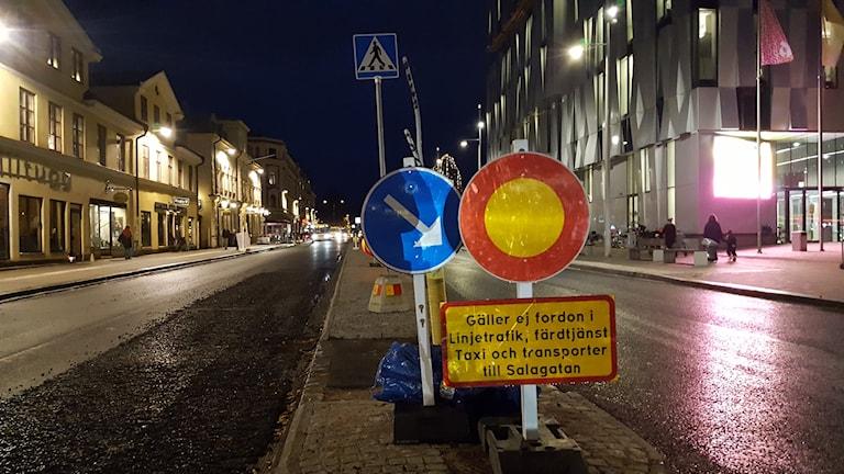 Flera upprörda när gatuarbetet på Vaksalagatan i Uppsala drar ut på tiden.