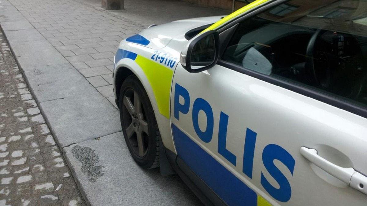 Polisen på plats. Foto: Gusten Holm / SR