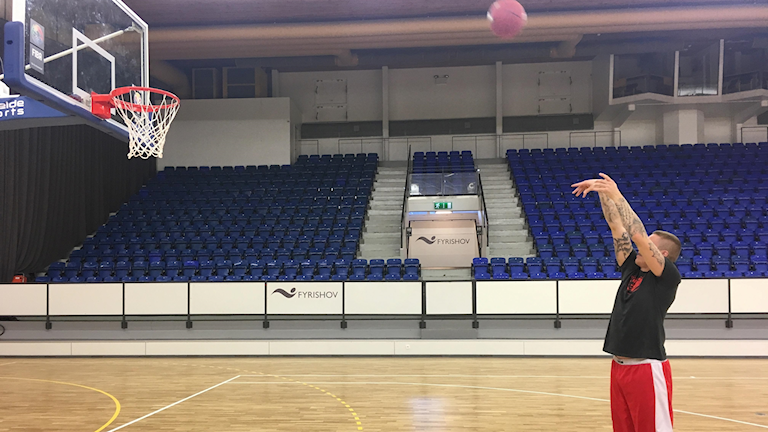 Axel Nordström i Uppsala basket.