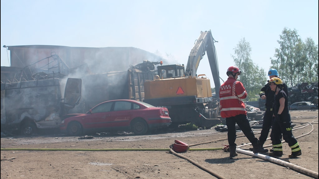 Bilskrot ryker efter brand i Närlinge