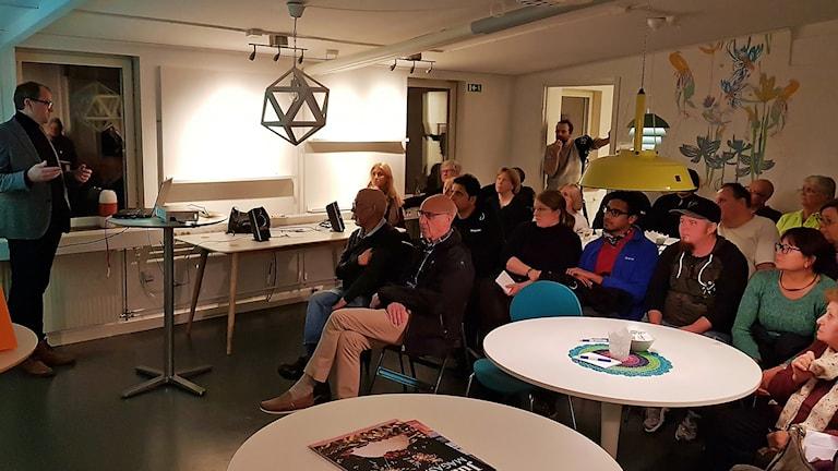 Möte om renoveringen i Eriksberg