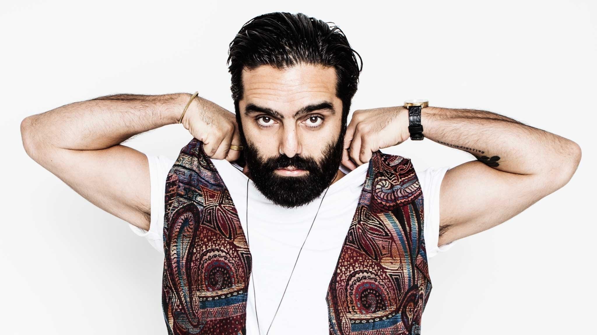 Navid Modiri - Jag måste dö för att växa upp.