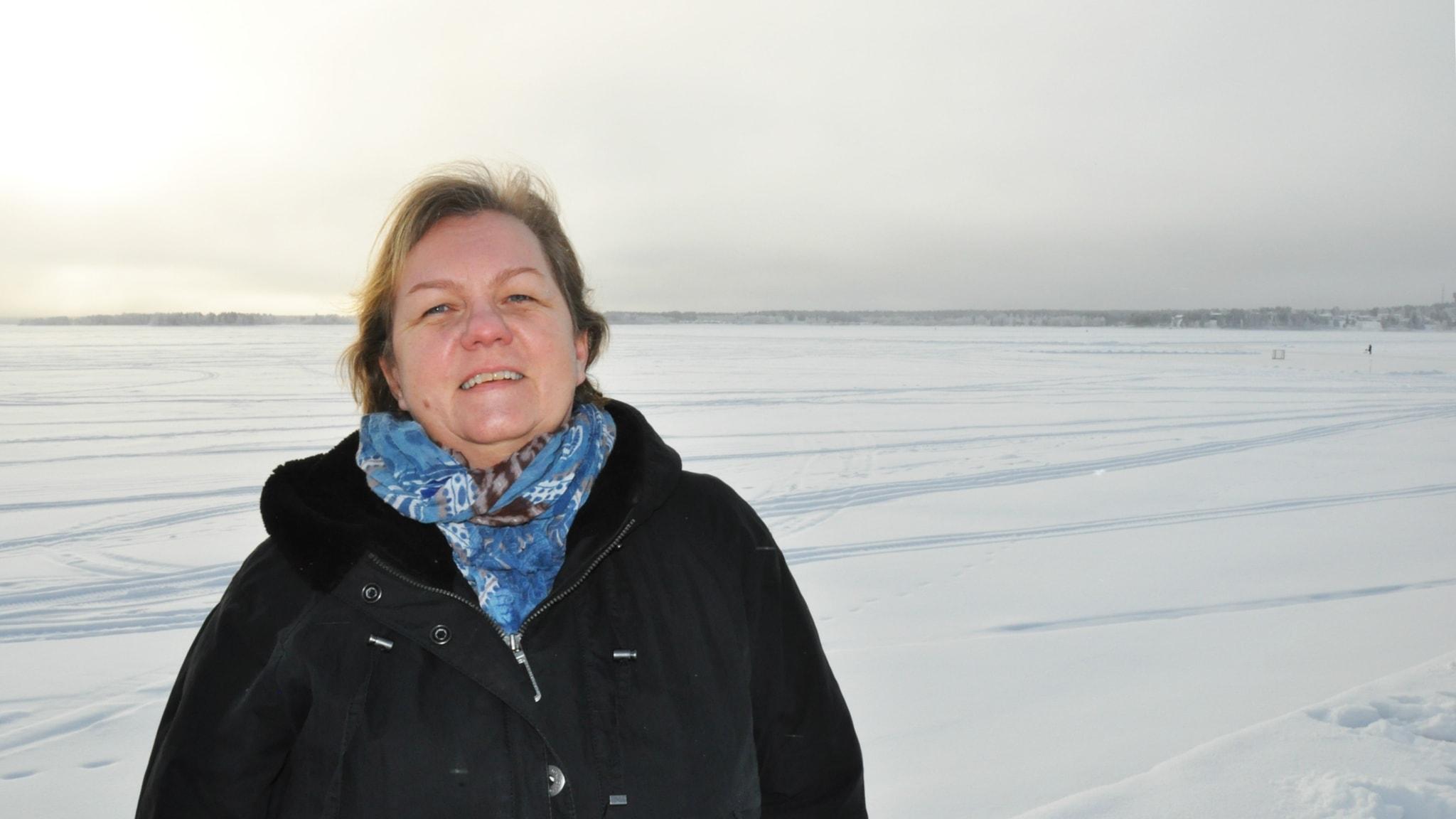 Mona Mörtlund är poet och bor i Luleå