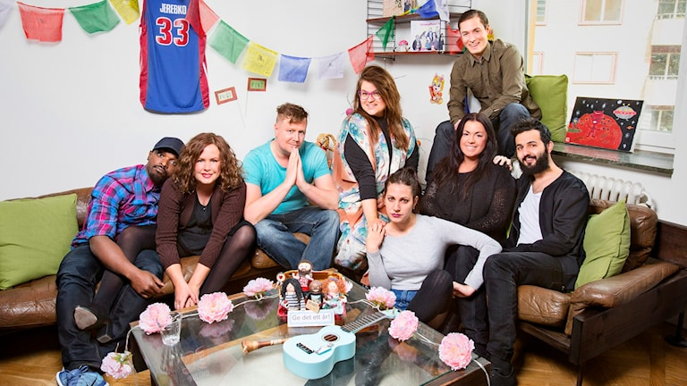 Pressbild: Morgonpasset i P3.  Kodjo Akolor, Hanna Hellquist, Jörgen Lötgård,Kakan Hermansson, Martina Thun, David Druid, Nour El Refai, Soran Ismail.