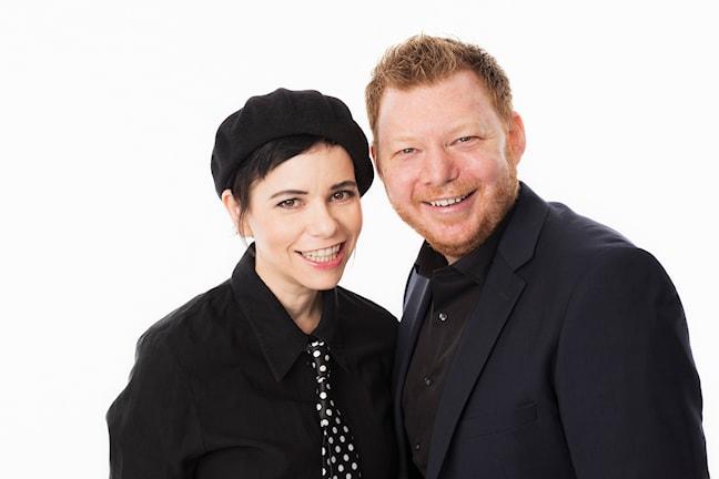 Mellopodden. Carolina Norén och Kris Boswell. Melodifestivalen 2015. Sveriges Radio P4. foto: Mattias Ahlm/Sveriges Radio