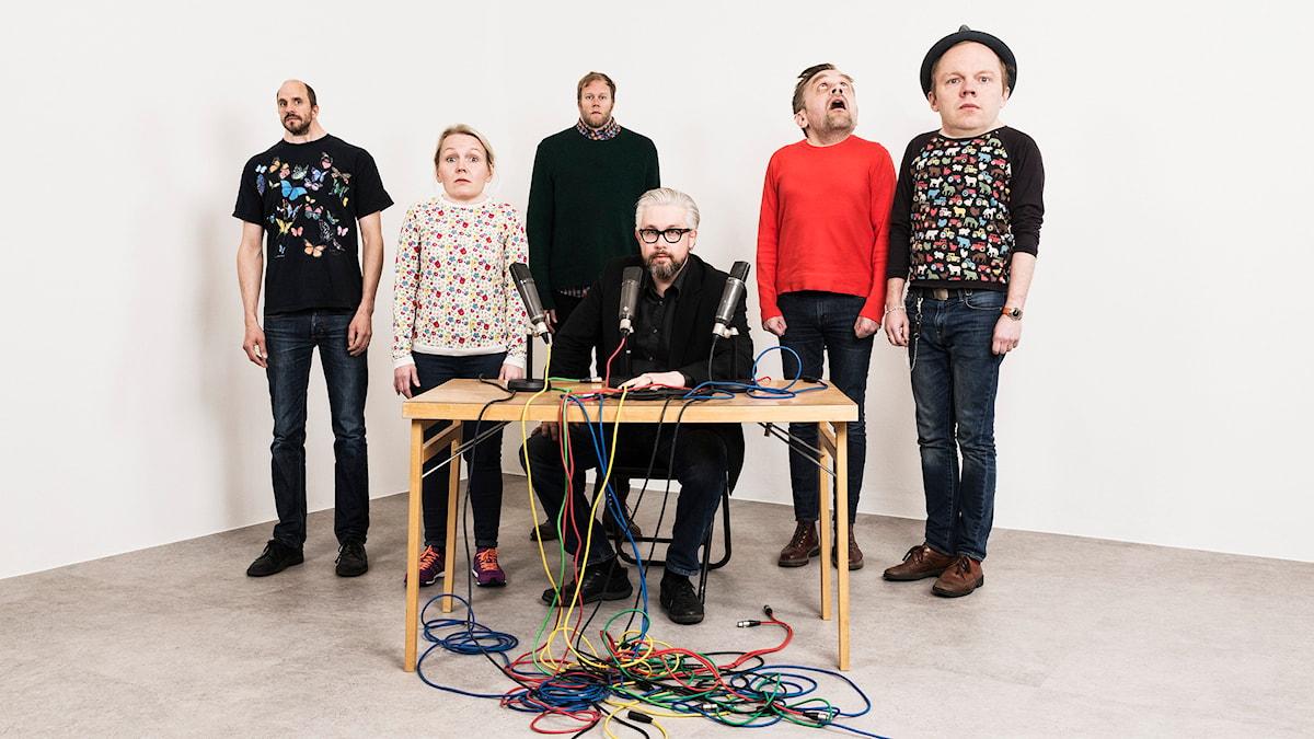 Mammas nya kille. MNK. Mattias Fransson, Sofia Wretling, Lars Berge, Bengt Strömbro,Sven Björklund, Olof Wretling. foto: Mattias Ahlm/Sveriges Radio