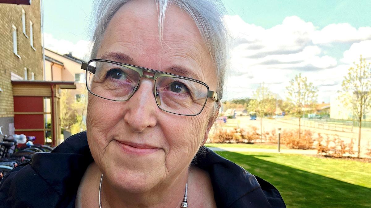 """Råden till min dotter är att tänka på sig själv, gå in tidigt och se hur hon har det med sitt sparande. Det tar jättelång tid att spara ihop till sin pension"""" säger Hannelore Leiker, som skilde sig vid 60."""