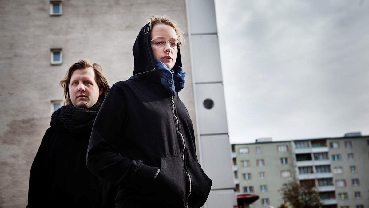Rasmus Klamas och Agnes Holmberg spelar huvudrollerna i P3 Serie: Kommando Karim. Foto: Julia Lindemalm
