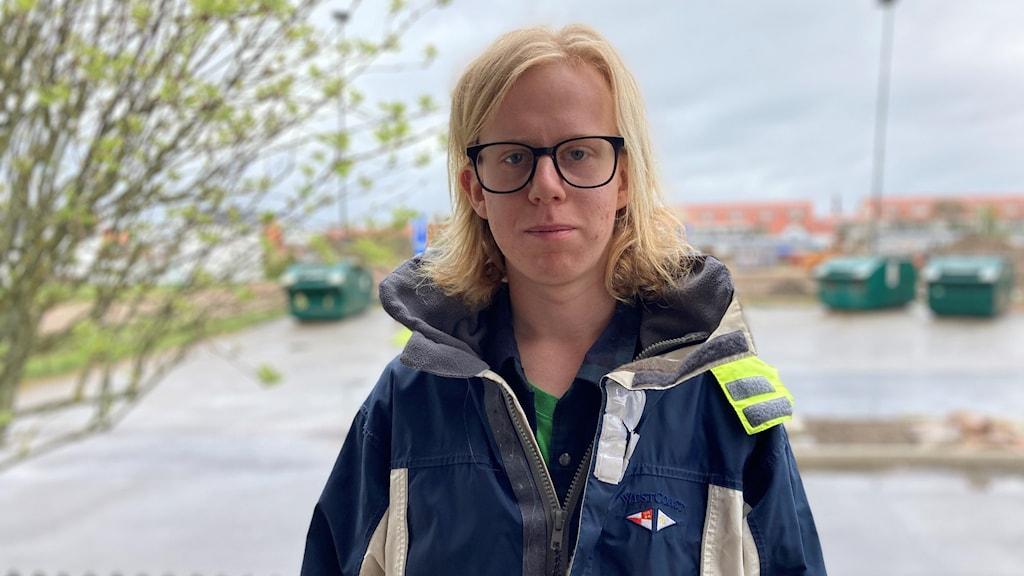 Alexander Ahl från klimataktivistgruppen Fridays for future. Han är långhårig och väldigt blond. Bär glasögon och har på sig en sportig jacka. Vädret i Lysekil, där han bor, är gråmulet denna förmiddag.