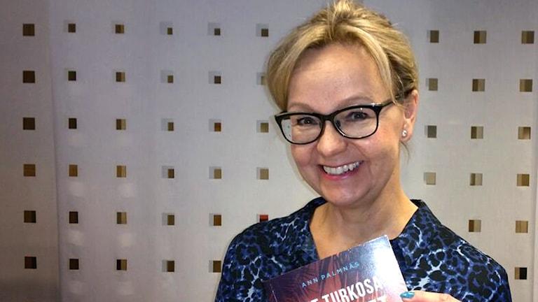 Ann Palmnäs, författare till boken Det turkosa kuvertet.