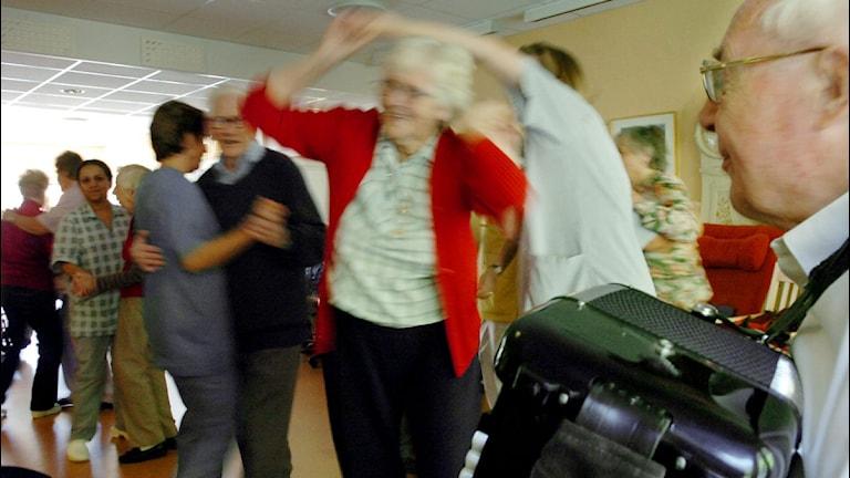 Dans på äldreboende. Arkivbild. Foto: Annette Friberg/Scanpix