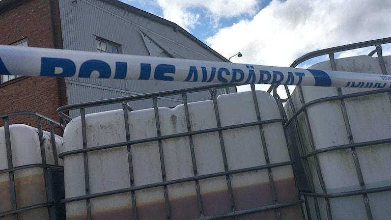 Polisens avspärrningar.