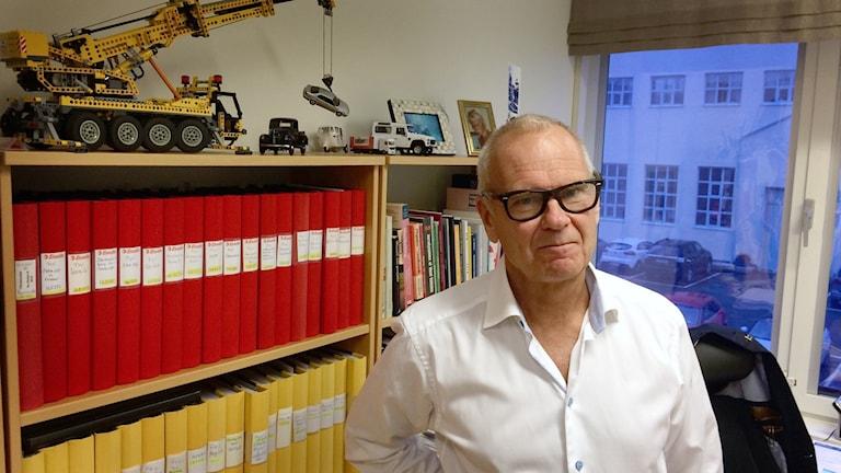 FKG:s vd Fredrik Sidahl på sitt kontor.