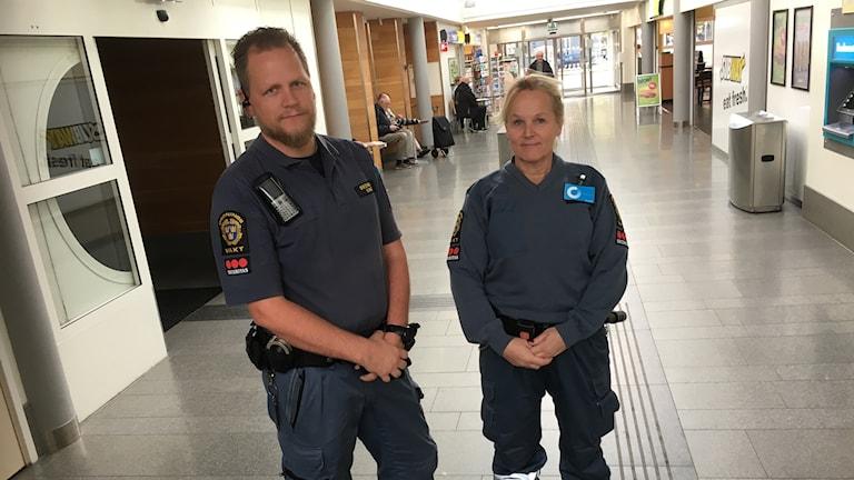 Stefan Storfors och Christina Söderberg, Västtrafiks ordningsvakter