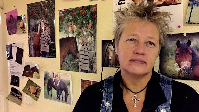 Carina Albertsson hoppas Färgelanda Ridklubb får vara kvar på Slätthult
