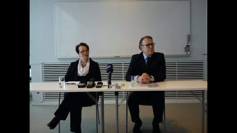Saabs konkursförvaltare Anne-Marie Pouteaux och Hans Bergqvist. Foto: Victor Jensen/P4 Väst.