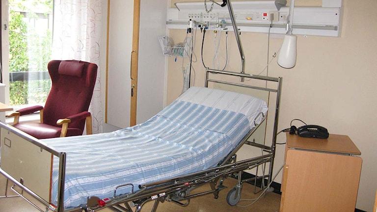 En tom sjukhussäng på Näl. Foto: Marie Mattsson/Sveriges Radio