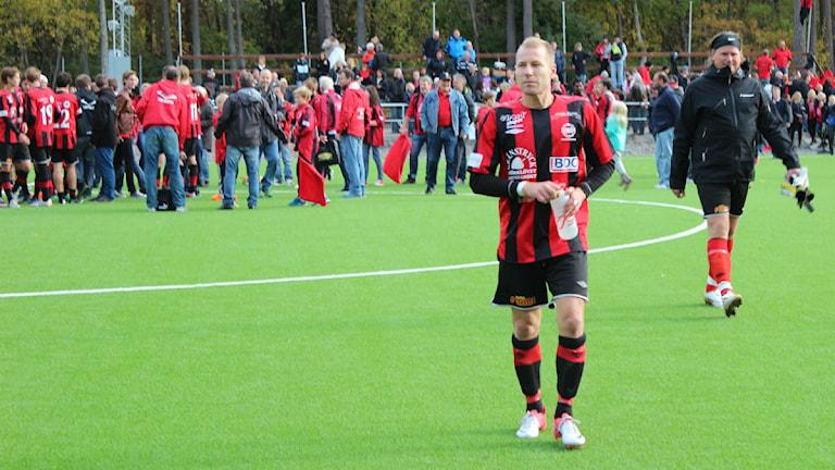 Jonas Henriksson blev stor matchhjälte när han gjorde alla Grebbestads tre mål. Foto: Simon Löfving P4 Väst/ Sveriges Radio