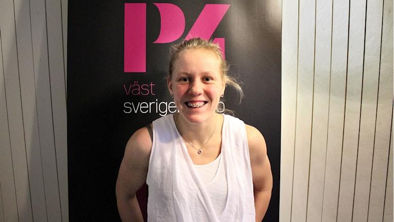 Ellen Wilhemlsson, 18 år. Hockeymålvakt för herrarna i Munkedal division 3.