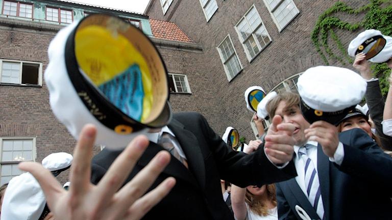 Elever på Nuntorps naturbruksgymnasium tar studenten.