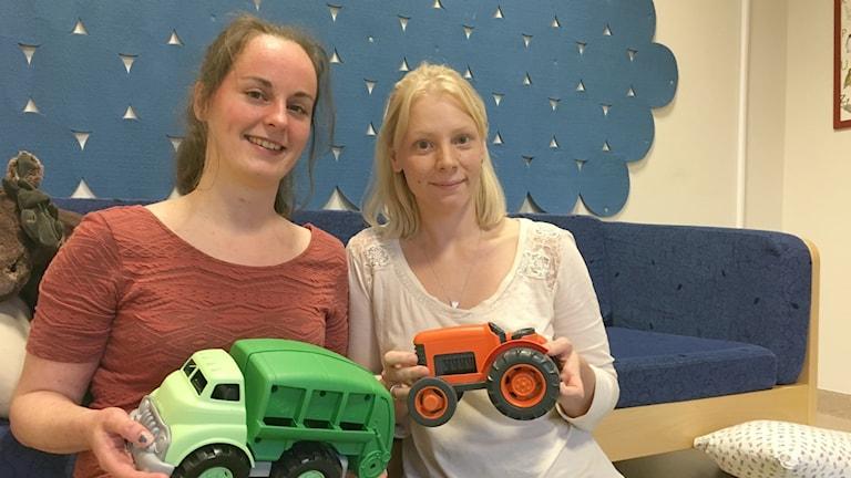 Jonna Andersson och Annica Johansson tillbringade torsdagsförmiddagen på Dalabergs öppna förskola.