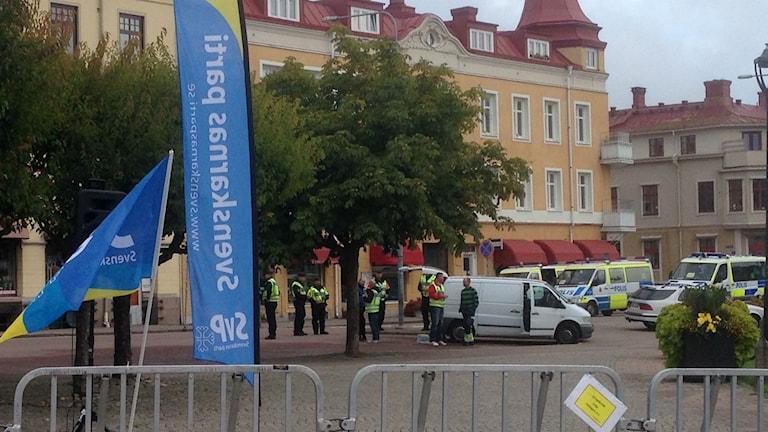 Svenskarnas Parti förbereder torgmöte i Åmål. Foto: Elisabeth Cederblad/P4 Väst