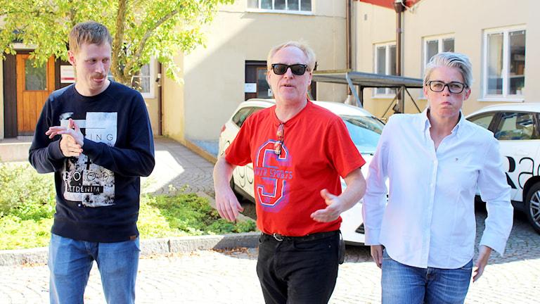 Jimmie Schewenius, Peter Sundblad och Therese McDonald i Framåt Fredag. Foto: Susanna Wictorzon/Sveriges Radio.
