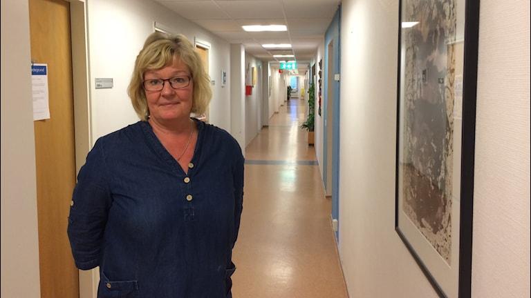 Maria Kullander på socialtjänsten i Uddevalla. Foto: Oskar Lodin / Sveriges Radio