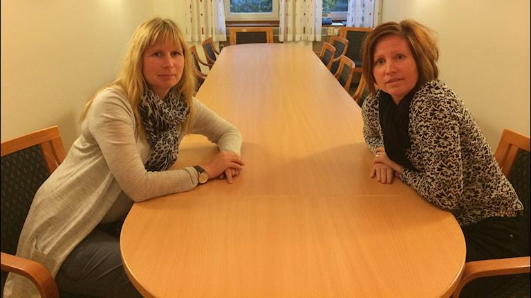 Sophia Vikström, samhällsbyggnadschef och Karin Hallberg, socialchef i Vänersborg.