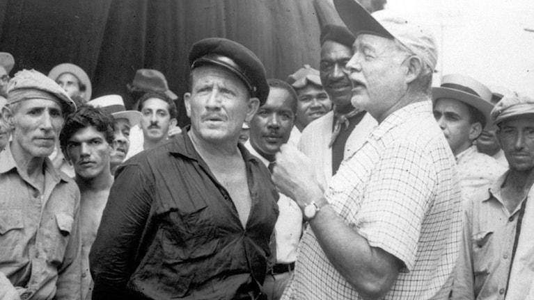 Spencer Tracy och Ernest Hemingway. Foto: AP/sp01b352