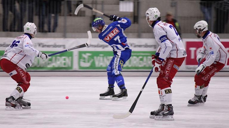 IFK Vänersborgs Robin Lundqvist under matchen mot Kalix BF 2014 Foto: Elliot Ohlén/Sveriges Radio