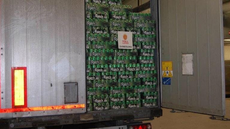 Lastbil fylld med öl
