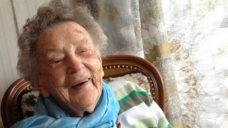Bild på Alice Östlund som skrattar. Foto: Peter Olsson/Sveriges Radio