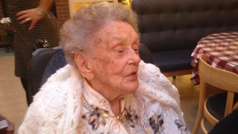 Alice Östlund fyller 108 år. Foto: Sveriges radio