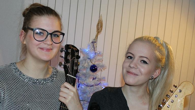 Bild på Dina Grundberg och Hedvig Olsson
