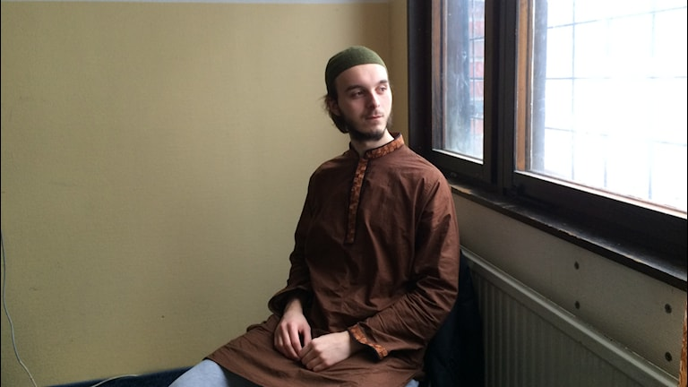 Amar Deric på Islamska centret i Uddevalla. Foto: Oskar Lodin / Sveriges Radio