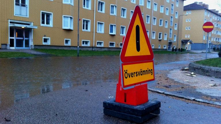 Översvämning på Kaparegatan i södra Uddevalla. Foto: Marie Mattsson/P4 Väst