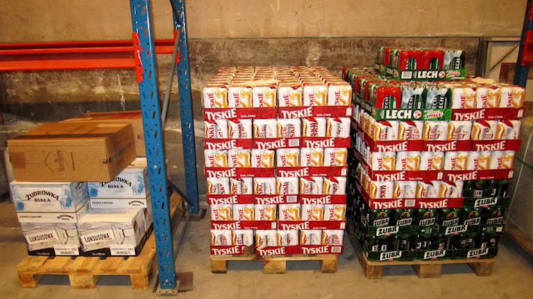 Alkohol som tullen tagit i beslag. Foto: Tullverket/TT.