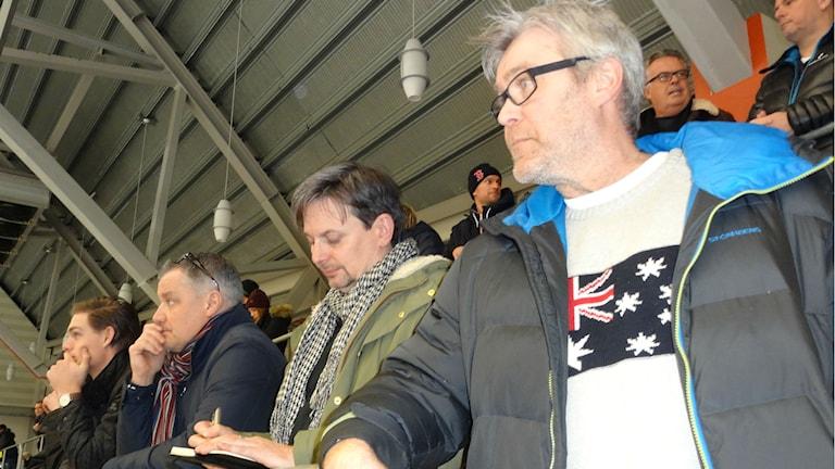 Bandy Gripens ledare Mats Pettersson, Magnus Nordin och Mats Fröberg Foto: Bengt Israelsson/Sveriges Radio