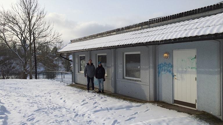 Richard Cander och Mansour Tonani  vill ha en fritidsgård i Lilla-Edet. Foto: Oskar Lodin / Sveriges Radio