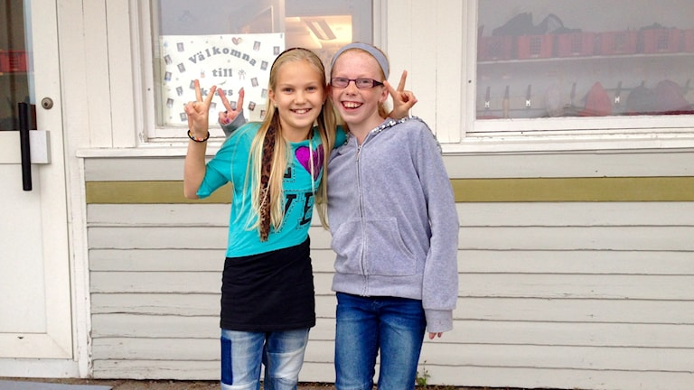 Marlene Tobiasson och Alice Smart är bästa vänner. Foto: Karin Blomqvist/Sveriges Radio