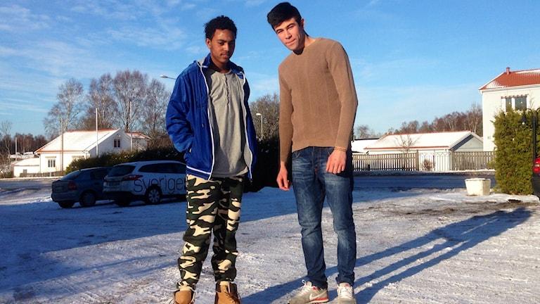 Daniel Efraim och Hussain Husseini på Vinbäcks asylboende i Tanumshede Foto: Elisabeth Cederblad/P4 Väst