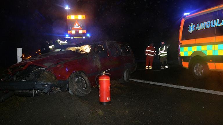 Bil voltade vid Lyckornamotet. Foto: Mikael Berglund/NyheterSTO