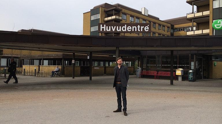 Niklas Claesson, kommunikationschef för NU-sjukvården. Foto Oskar Lodin / Sveriges Radio