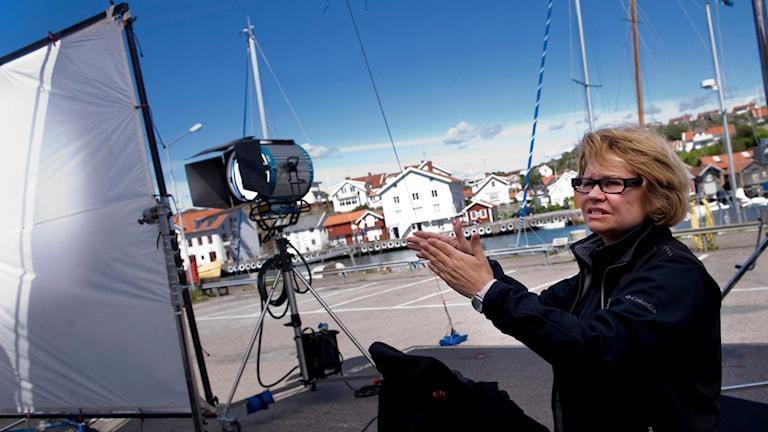 Regissören Lena Koppel på inspelningsplatsen av tv-serien Saltön år 2009.  Foto: Adam Ihse/TT.