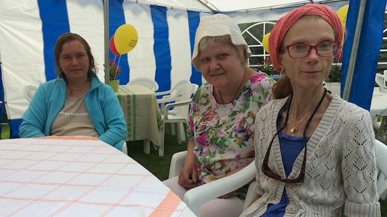 Förväntansfulla besökare på Hanneviksdagen. Foto: Lina Alexandersson.