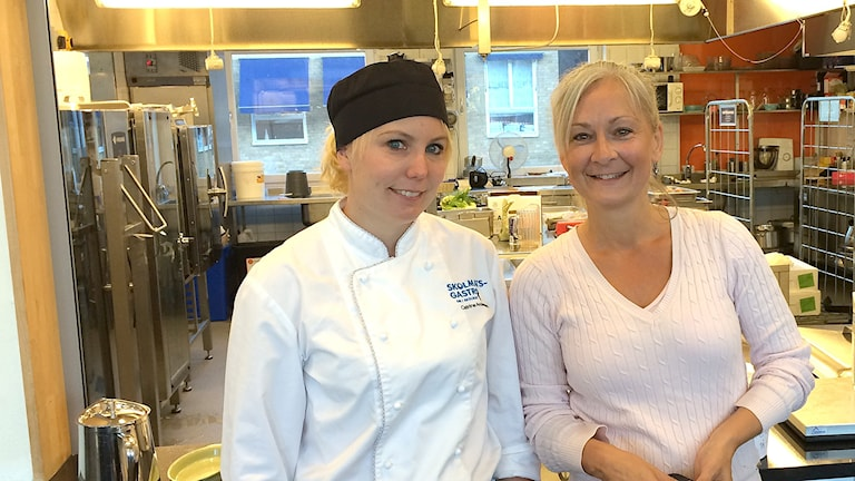 Catrine Andersson, kökspersonal, Tove Ahlcrona Jensen, förskolechef. Foto: Max Lindahl/Sveriges Radio.