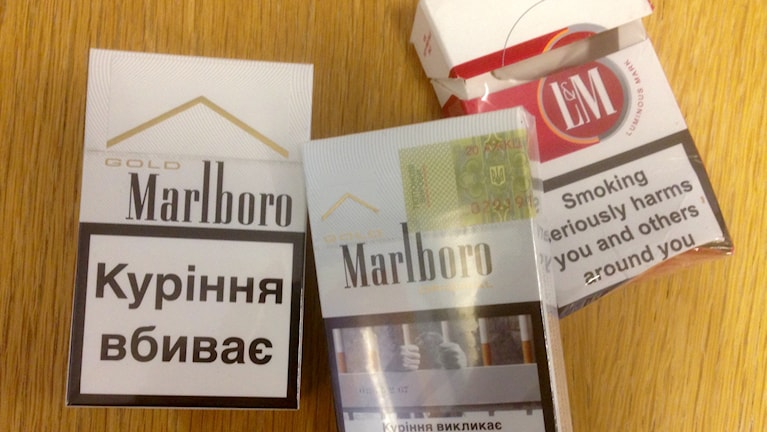 Utländska cigaretter, Foto: Elisabeth Cederblad, Sveriges Radio